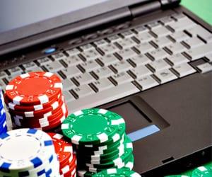 Poker online gamble 61678
